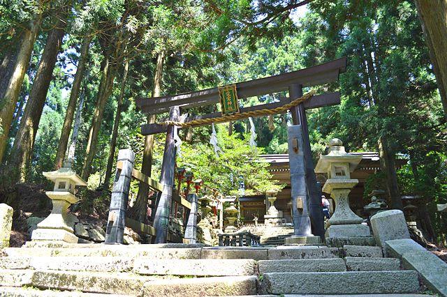 愛宕山の山頂に鎮座する愛宕神社(京都)の鳥居