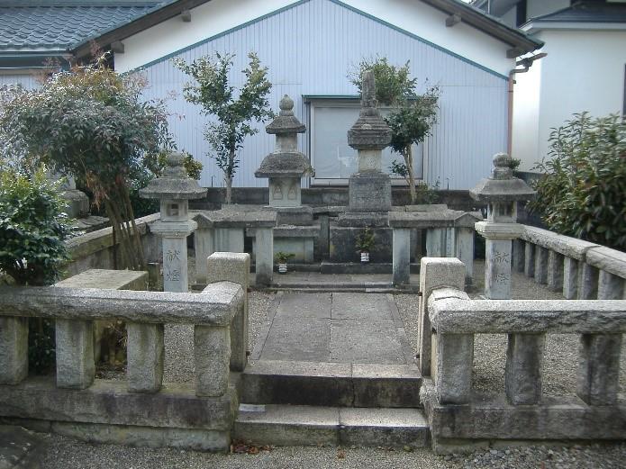 丹羽長秀墓