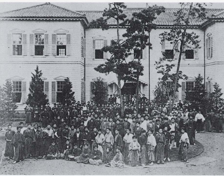 大隈重信が開設した早稲田大学の前身・東京専門学校
