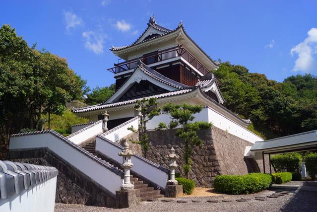 豊前岩石城の模擬天守