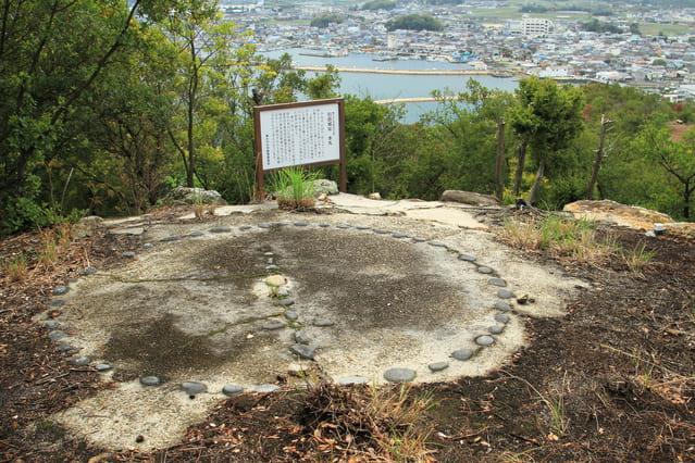讃岐国の引田城本丸跡(香川県東かがわ市)