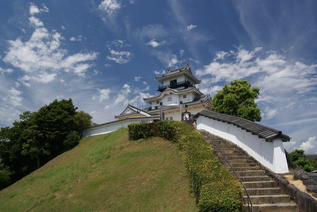 再建された掛川城の天守