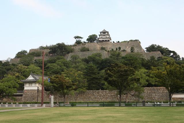 現存天守を持つ城のうち、最も天守が小さい城は?