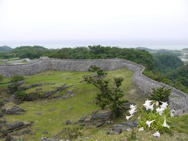 沖縄地方では「城」のことを何と呼ぶ?