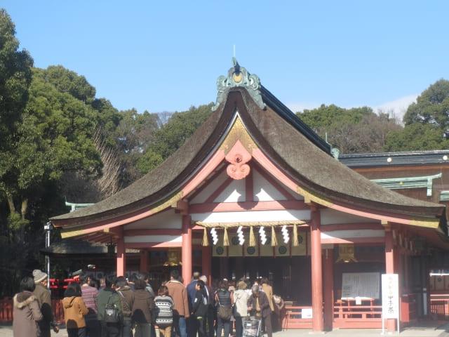 津島神社に親子で門を寄贈したのは誰?