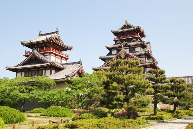伏見城は何回建てられた?