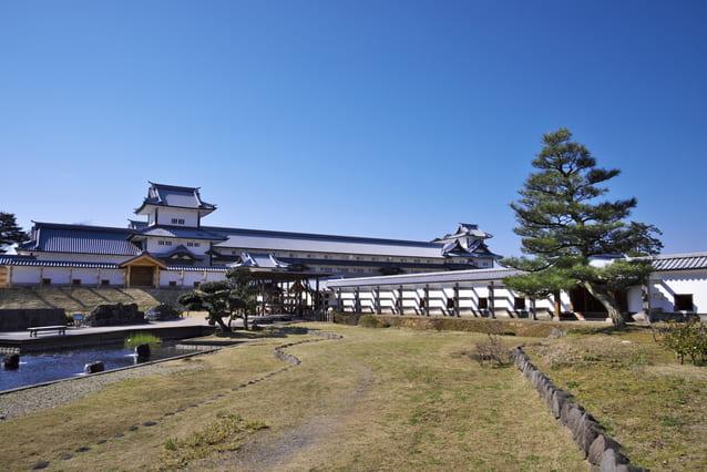 かつては加賀一向一揆の拠点「尾山御坊」だったという金沢城跡