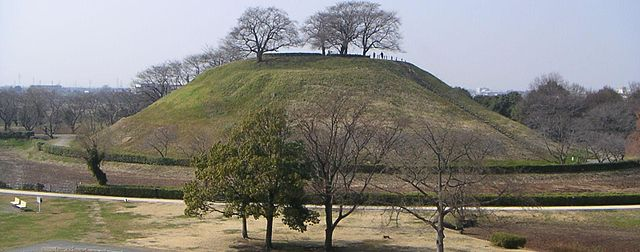忍城の水攻めの際、石田三成が布陣した丸墓山古墳