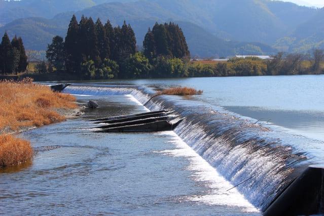 加藤清正が手掛けたという、緑川の麻生原堰(熊本県上益城郡甲佐町)