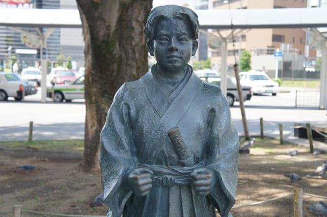 JR静岡駅前の竹千代君像