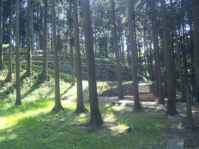 七尾城の桜馬場石垣