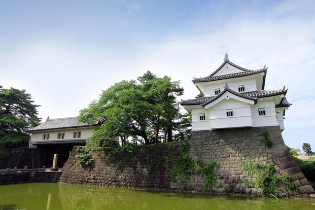 新発田城跡(本丸表門と辰巳櫓)