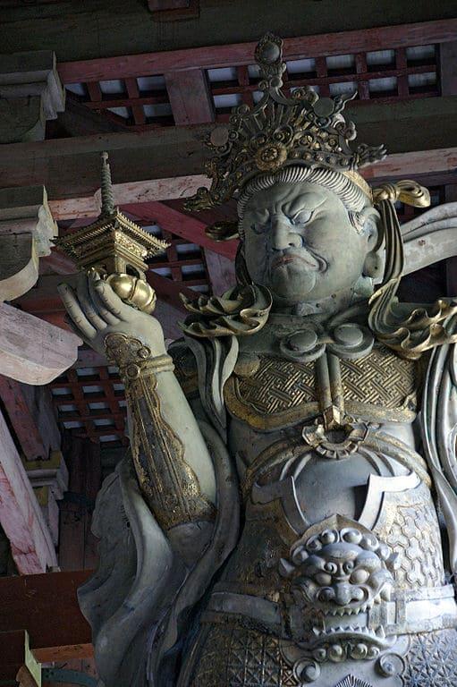 奈良東大寺の多聞天像(出所:wikipedia)