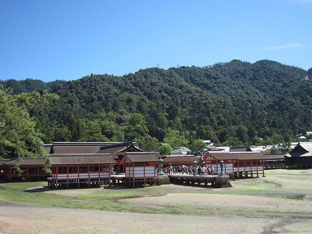 厳島神社(社殿)