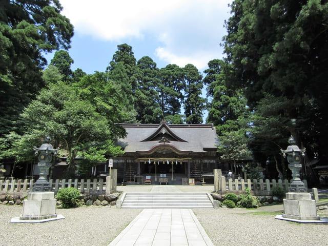 信長ゆかりの地である越前の「劔神社」