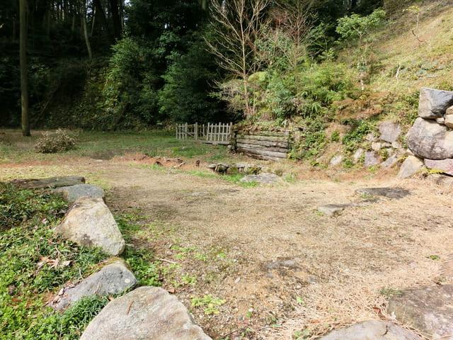 安土城跡にある武井夕庵の屋敷跡