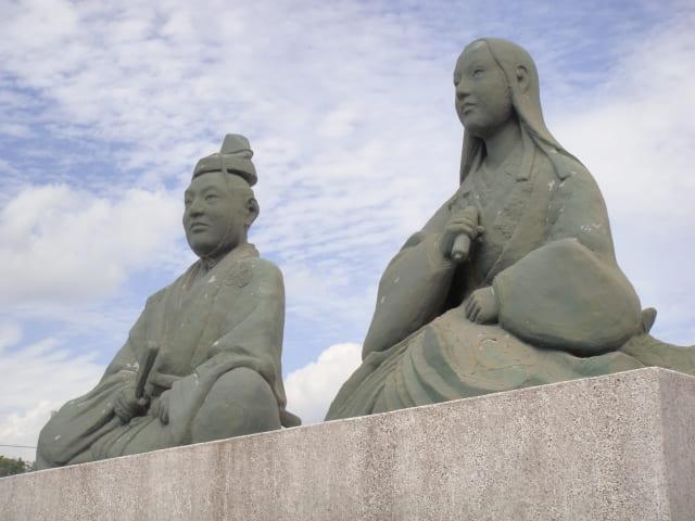 浅井長政とお市の像(滋賀県長浜市)