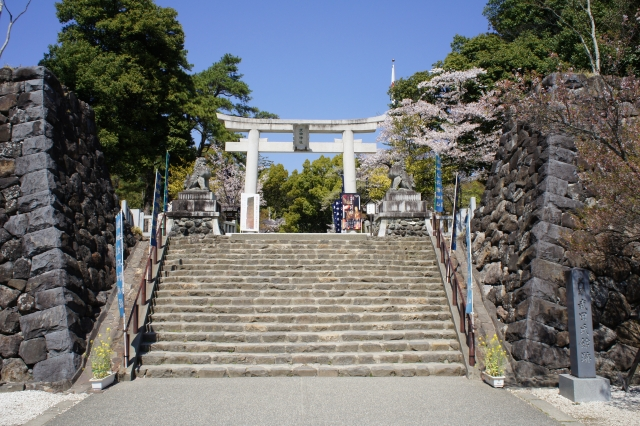 甲斐武田氏の本拠城である「躑躅ヶ崎館」。なんて読む?