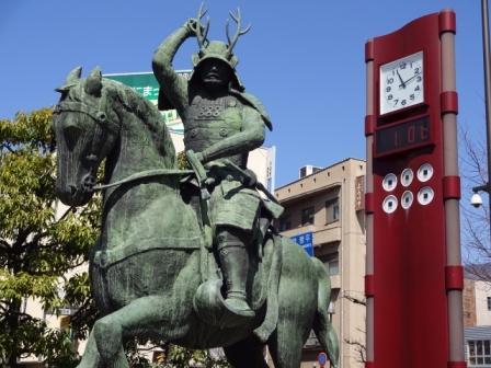 長野県 JR上田駅前にある真田幸村像